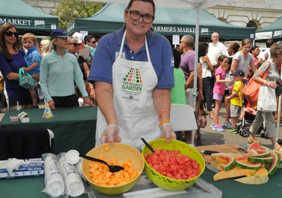 USDA Farmers Market offered up fresh fruit as a healthy back to school snacks for kids.