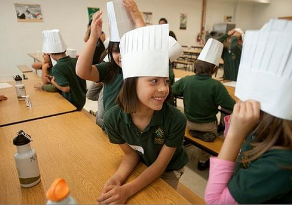 Chicago's Chef Duenas showed 3rd graders how to make a delicious, nutritious salad as part of the First Lady's Chefs Move to Schools.